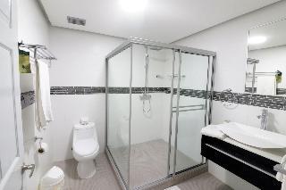 http://photos.hotelbeds.com/giata/05/059585/059585a_hb_ro_028.JPG