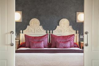 http://photos.hotelbeds.com/giata/06/069239/069239a_hb_ro_028.jpg