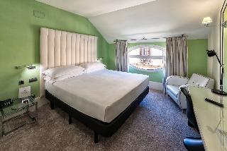 http://photos.hotelbeds.com/giata/06/069543/069543a_hb_ro_013.jpg