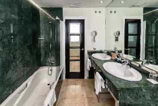 http://photos.hotelbeds.com/giata/06/069543/069543a_hb_ro_017.jpg