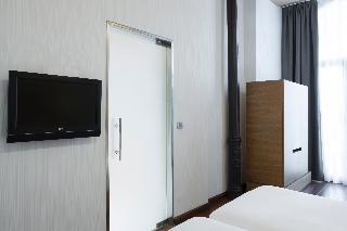 http://photos.hotelbeds.com/giata/06/069900/069900a_hb_ro_030.jpg