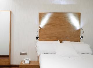 http://photos.hotelbeds.com/giata/06/069900/069900a_hb_ro_040.jpg