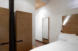 http://photos.hotelbeds.com/giata/06/069900/069900a_hb_ro_041.jpg