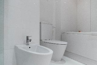 http://photos.hotelbeds.com/giata/06/069900/069900a_hb_ro_064.jpg