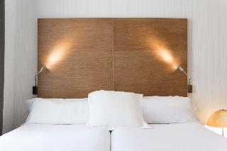 http://photos.hotelbeds.com/giata/06/069900/069900a_hb_ro_079.jpg