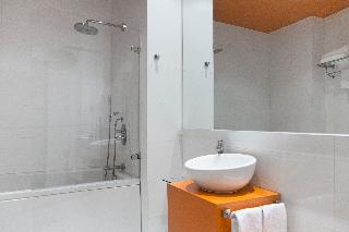 http://photos.hotelbeds.com/giata/06/069900/069900a_hb_ro_088.jpg