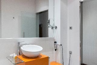http://photos.hotelbeds.com/giata/06/069900/069900a_hb_ro_089.jpg
