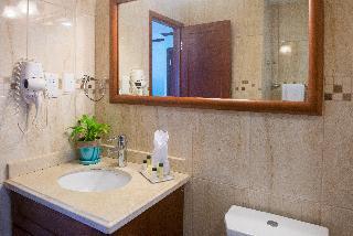 http://photos.hotelbeds.com/giata/07/078511/078511a_hb_ro_016.jpg