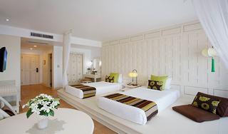 http://photos.hotelbeds.com/giata/07/078953/078953a_hb_ro_019.jpg