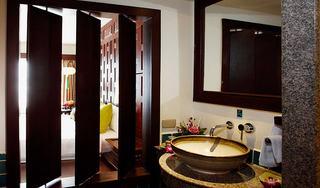 http://photos.hotelbeds.com/giata/07/078953/078953a_hb_ro_021.jpg