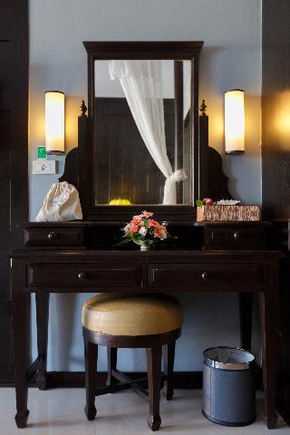 http://photos.hotelbeds.com/giata/07/078953/078953a_hb_ro_119.jpg