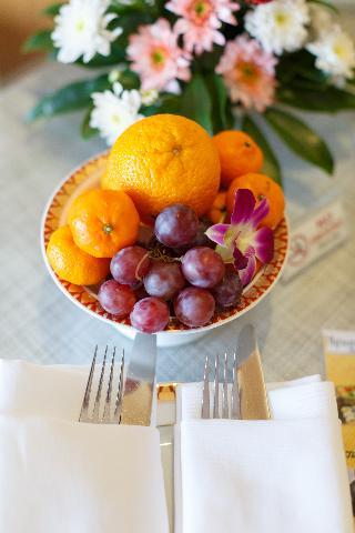 http://photos.hotelbeds.com/giata/07/078953/078953a_hb_ro_122.jpg