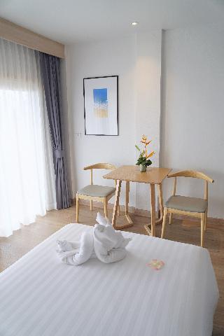 http://photos.hotelbeds.com/giata/07/078953/078953a_hb_ro_139.jpg