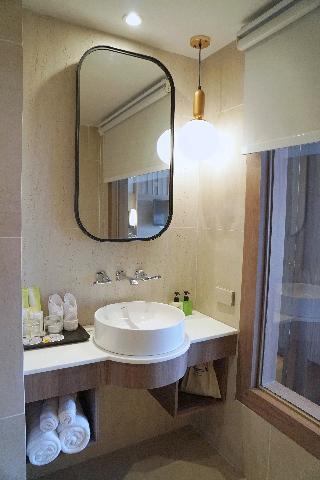 http://photos.hotelbeds.com/giata/07/078953/078953a_hb_ro_144.jpg