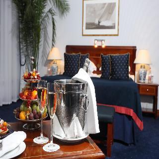 http://photos.hotelbeds.com/giata/07/079956/079956a_hb_ro_002.jpg