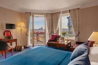 http://photos.hotelbeds.com/giata/07/079956/079956a_hb_ro_017.jpg