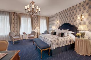 http://photos.hotelbeds.com/giata/07/079956/079956a_hb_ro_022.jpg