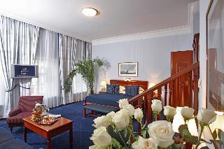 http://photos.hotelbeds.com/giata/07/079956/079956a_hb_ro_029.jpg