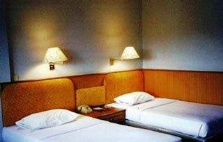 Hotels in Chinatown-Old City: New Empire Hotel