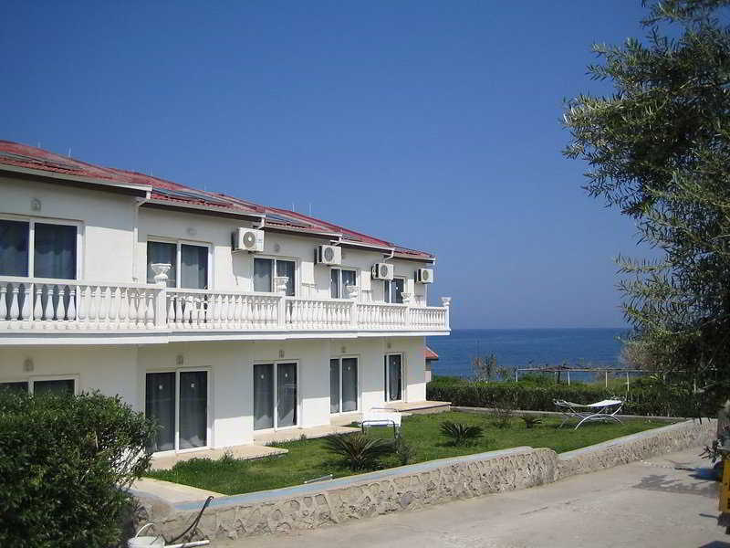 Hotels in Northern Cyprus: Mosquito Beach Club