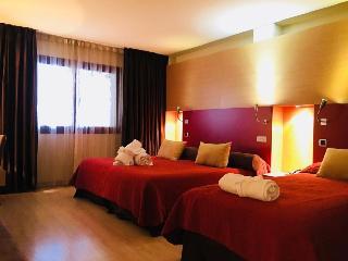 http://photos.hotelbeds.com/giata/08/083783/083783a_hb_ro_006.jpg