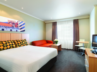 Accommodation - Travelodge Hotel Sydney - Guest room - SYDNEY