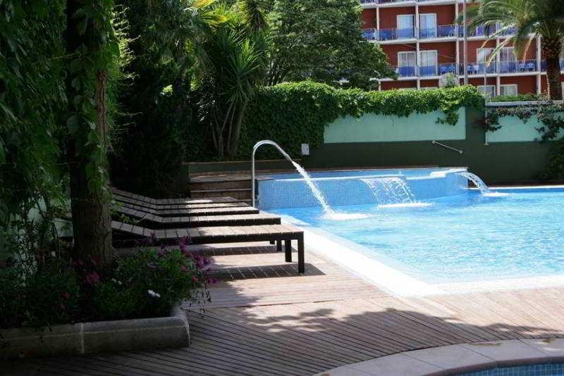 Hotel Acapulco thumb-3