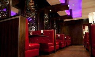 Hotels in Edmonton: Fantasyland Hotel at West Edmonton Mall
