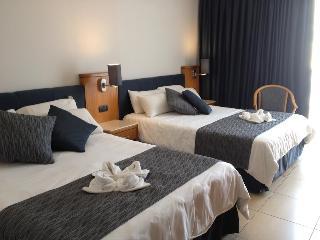 http://photos.hotelbeds.com/giata/09/093051/093051a_hb_ro_033.jpg