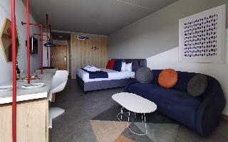 http://photos.hotelbeds.com/giata/09/093051/093051a_hb_ro_035.jpg