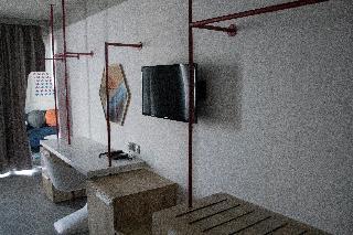 http://photos.hotelbeds.com/giata/09/093051/093051a_hb_ro_036.jpg