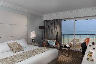 http://photos.hotelbeds.com/giata/09/093676/093676a_hb_ro_010.jpg