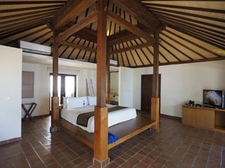 http://photos.hotelbeds.com/giata/09/096914/096914a_hb_ro_007.jpg
