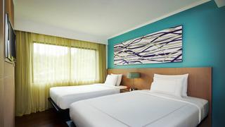 http://photos.hotelbeds.com/giata/09/098818/098818a_hb_ro_035.jpg
