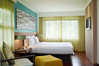 http://photos.hotelbeds.com/giata/09/098818/098818a_hb_ro_036.jpg