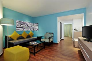 http://photos.hotelbeds.com/giata/09/098818/098818a_hb_ro_038.jpg