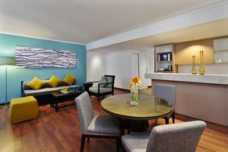 http://photos.hotelbeds.com/giata/09/098818/098818a_hb_ro_044.jpg