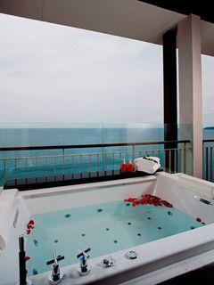 http://photos.hotelbeds.com/giata/10/100675/100675a_hb_ro_030.jpg