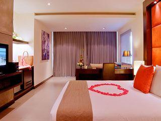 http://photos.hotelbeds.com/giata/10/100675/100675a_hb_ro_035.jpg