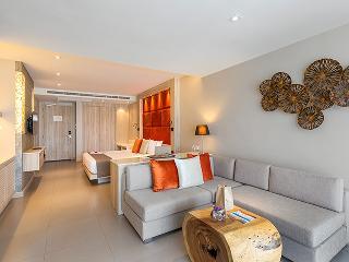 http://photos.hotelbeds.com/giata/10/100675/100675a_hb_ro_065.jpg