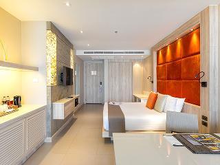http://photos.hotelbeds.com/giata/10/100675/100675a_hb_ro_070.jpg