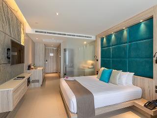 http://photos.hotelbeds.com/giata/10/100675/100675a_hb_ro_086.jpg