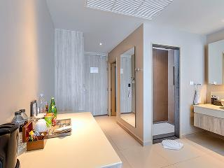 http://photos.hotelbeds.com/giata/10/100675/100675a_hb_ro_088.jpg
