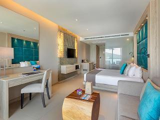 http://photos.hotelbeds.com/giata/10/100675/100675a_hb_ro_090.jpg