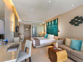 http://photos.hotelbeds.com/giata/10/100675/100675a_hb_ro_091.jpg