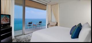 http://photos.hotelbeds.com/giata/10/100675/100675a_hb_ro_111.jpg