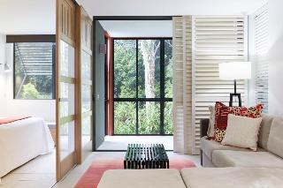http://photos.hotelbeds.com/giata/10/102815/102815a_hb_ro_007.jpg