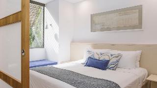 http://photos.hotelbeds.com/giata/10/102815/102815a_hb_ro_020.jpg