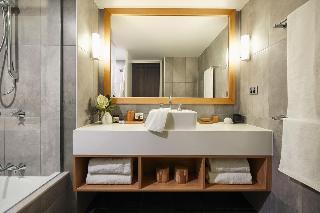 http://photos.hotelbeds.com/giata/10/105489/105489a_hb_ro_020.jpg