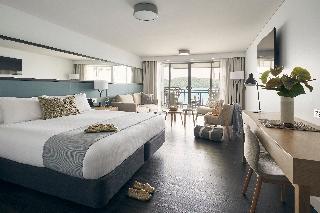 http://photos.hotelbeds.com/giata/10/105489/105489a_hb_ro_022.jpg